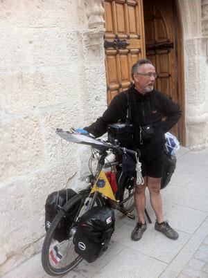 EL CAMINO cyclist low-res 489