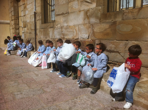 kids with plastic bags low-res 766
