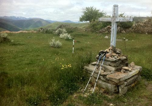 roadside memorial low-res 801