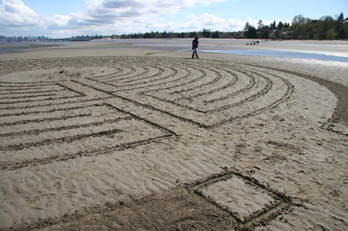 sand-labyrinth-2-april-2011-lowres