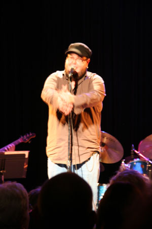 shane-performing-low-res